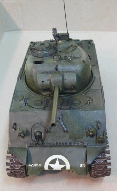 Sherman M4A3 d'e Tamiya au 1/35 + adaptation de Solution Box MIG Sherm115