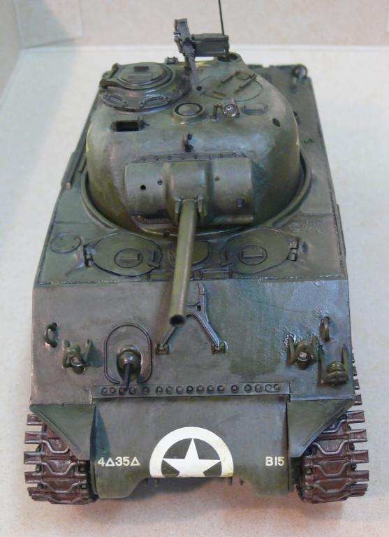 Sherman M4A3 d'e Tamiya au 1/35 + adaptation de Solution Box MIG Sherm116