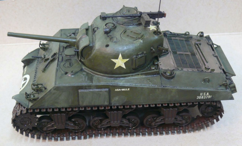 Sherman M4A3 d'e Tamiya au 1/35 + adaptation de Solution Box MIG Sherm117