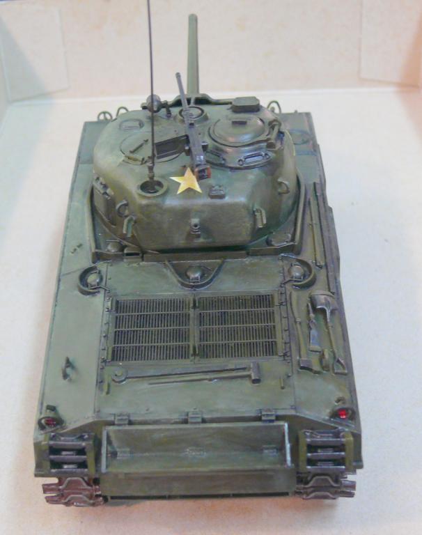 Sherman M4A3 d'e Tamiya au 1/35 + adaptation de Solution Box MIG Sherm118