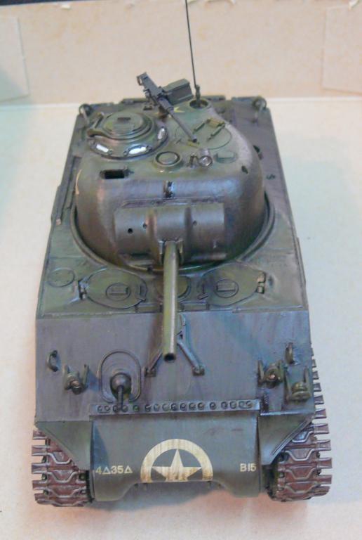 Sherman M4A3 d'e Tamiya au 1/35 + adaptation de Solution Box MIG Sherm121
