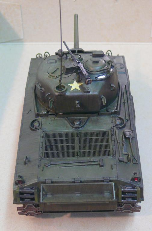 Sherman M4A3 d'e Tamiya au 1/35 + adaptation de Solution Box MIG Sherm122