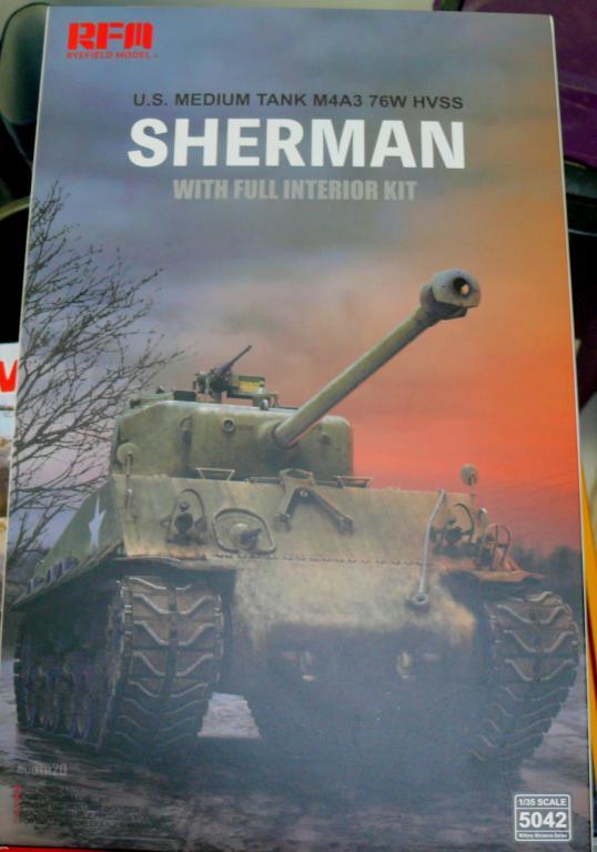 Sherman M4A3 (E8) HVSS de Rye Fields Model au 1/35 avec intérieur complet détaillé Sherm179