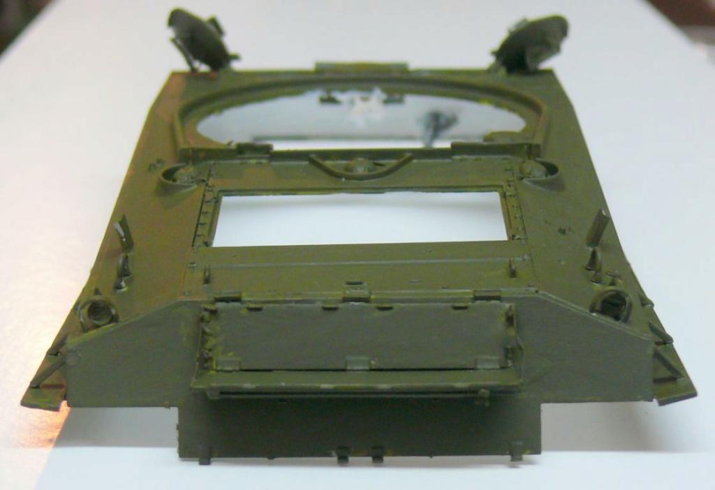 Sherman M4A3 (E8) HVSS de Rye Fields Model au 1/35 avec intérieur complet détaillé Sherm241