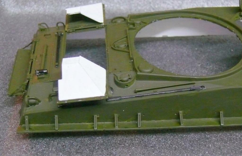Sherman M4A3 (E8) HVSS de Rye Fields Model au 1/35 avec intérieur complet détaillé Sherm260
