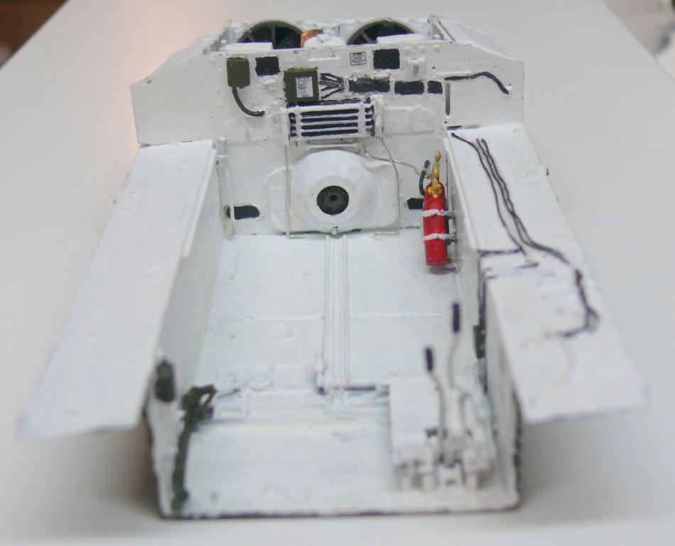 Sherman M4A3 (E8) HVSS de Rye Fields Model au 1/35 avec intérieur complet détaillé Sherm335