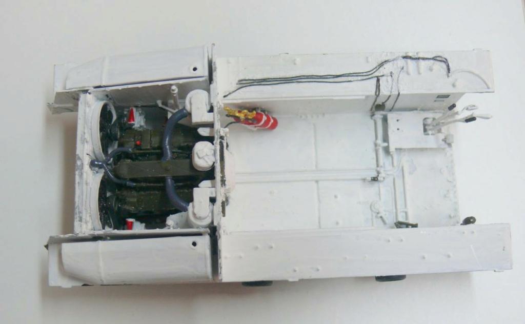 Sherman M4A3 (E8) HVSS de Rye Fields Model au 1/35 avec intérieur complet détaillé Sherm344