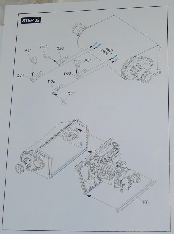 Sherman M4A3 (E8) HVSS de Rye Fields Model au 1/35 avec intérieur complet détaillé - Page 2 Sherm358