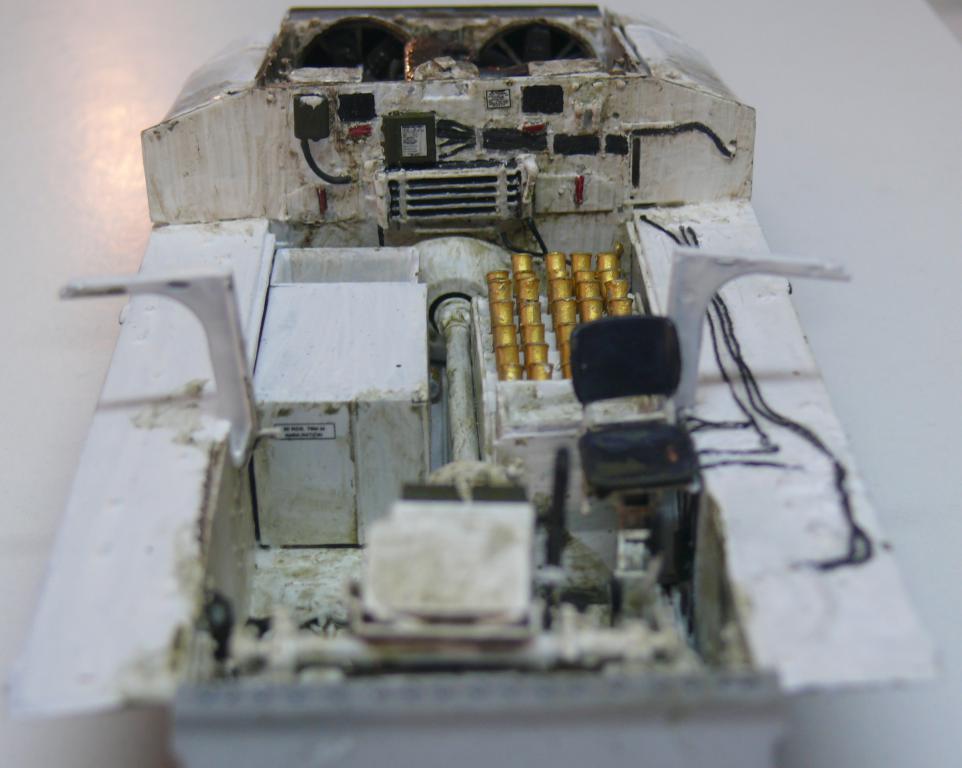 Sherman M4A3 (E8) HVSS de Rye Fields Model au 1/35 avec intérieur complet détaillé - Page 2 Sherm392