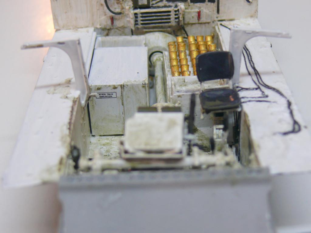 Sherman M4A3 (E8) HVSS de Rye Fields Model au 1/35 avec intérieur complet détaillé - Page 2 Sherm393