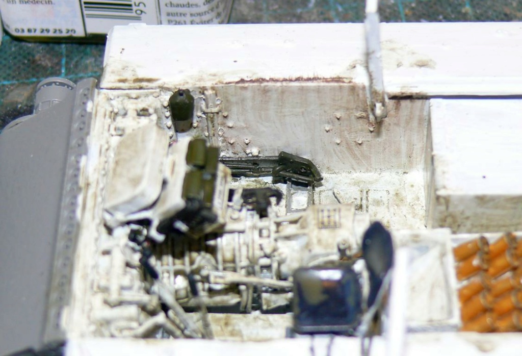 Sherman M4A3 (E8) HVSS de Rye Fields Model au 1/35 avec intérieur complet détaillé - Page 2 Sherm394