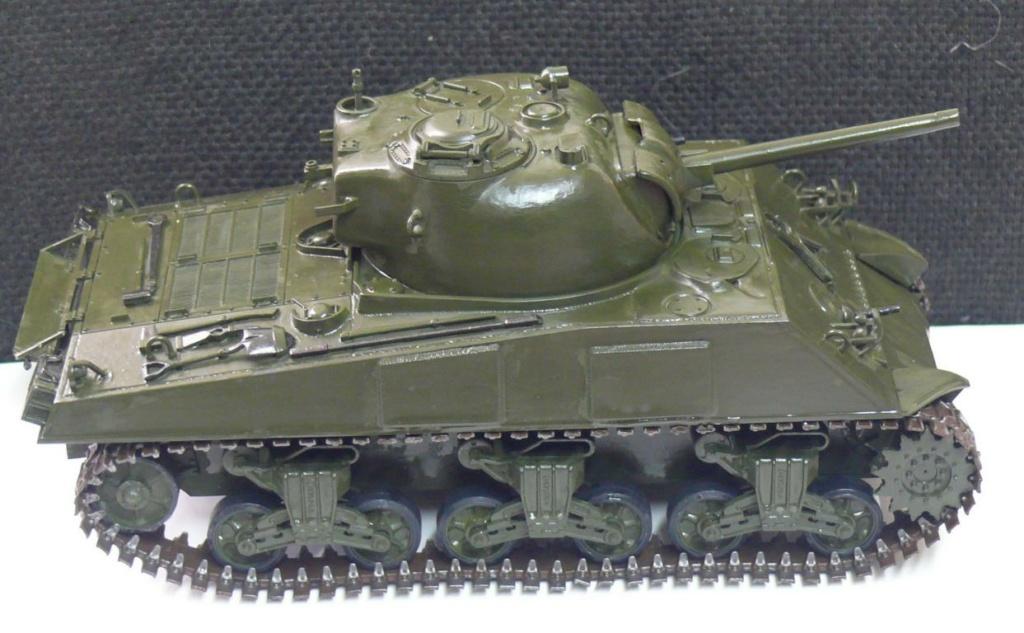 Sherman M4A3 d'e Tamiya au 1/35 + adaptation de Solution Box MIG Sherma96