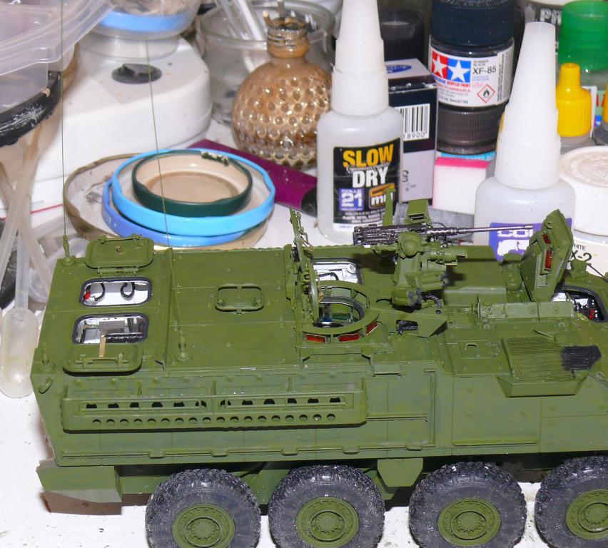Stryker M1126 de AFV Club et détaillage intérieur Black Dog au 1/35 Stryk102