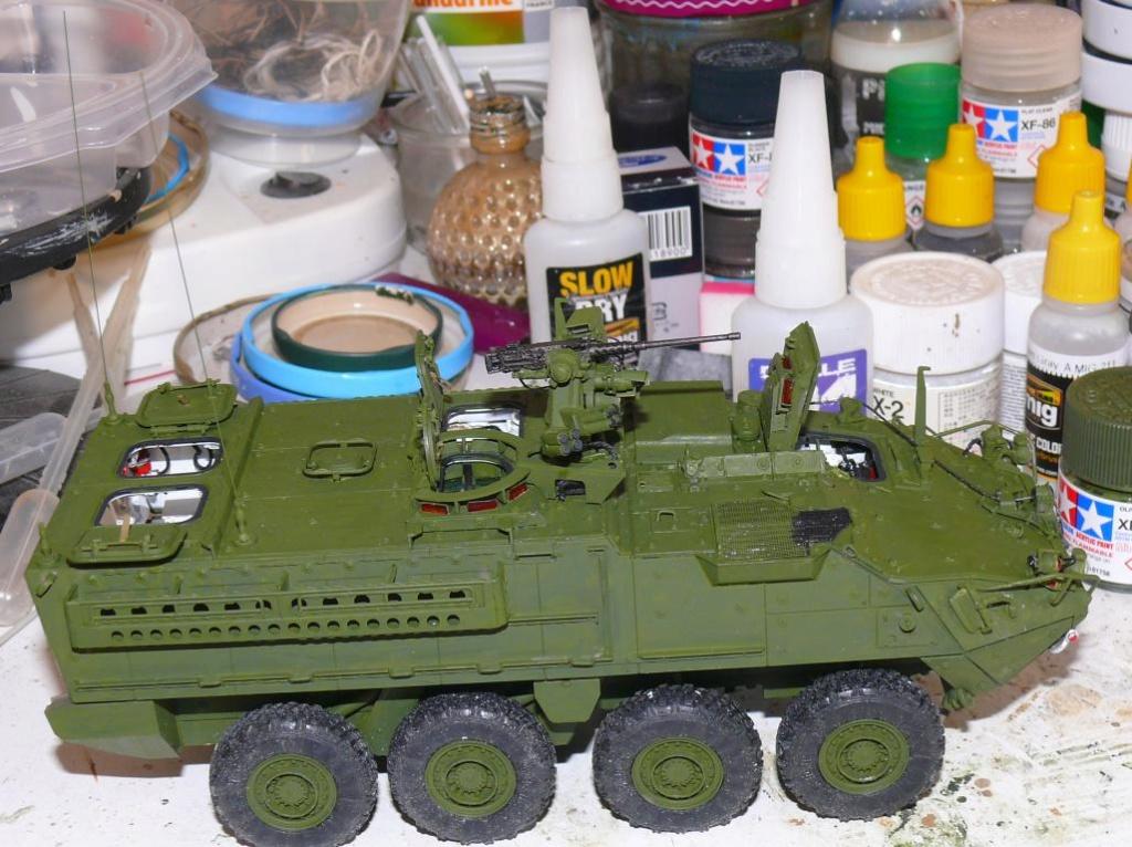 Stryker M1126 de AFV Club et détaillage intérieur Black Dog au 1/35 Stryk106