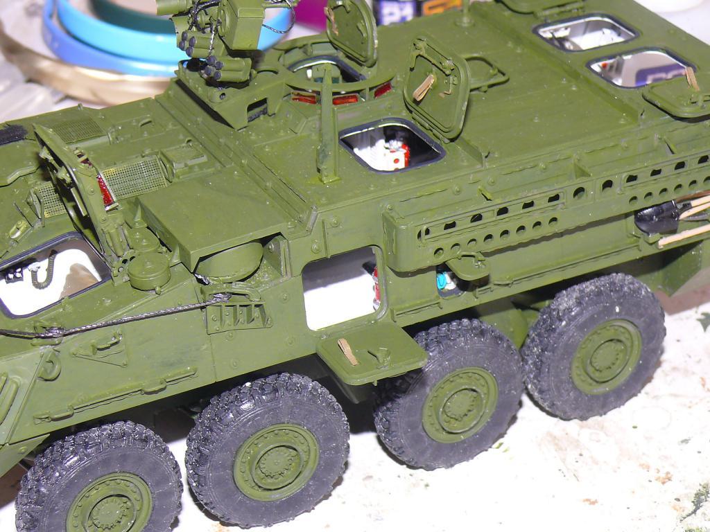 Stryker M1126 de AFV Club et détaillage intérieur Black Dog au 1/35 Stryk117