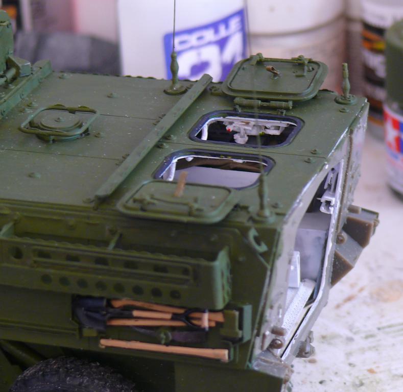 Stryker M1126 de AFV Club et détaillage intérieur Black Dog au 1/35 - Page 2 Stryk135
