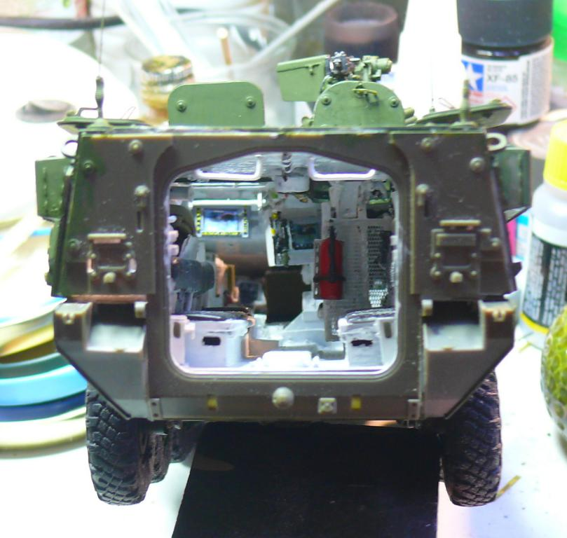 Stryker M1126 de AFV Club et détaillage intérieur Black Dog au 1/35 - Page 2 Stryk136