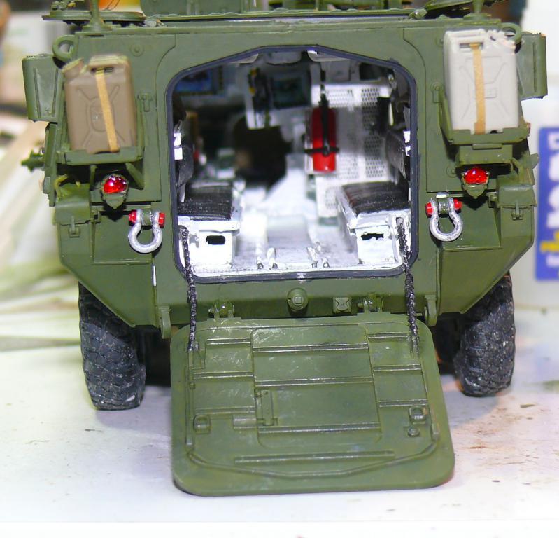Stryker M1126 de AFV Club et détaillage intérieur Black Dog au 1/35 - Page 2 Stryk139