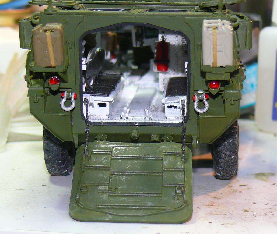 Stryker M1126 de AFV Club et détaillage intérieur Black Dog au 1/35 - Page 2 Stryk141