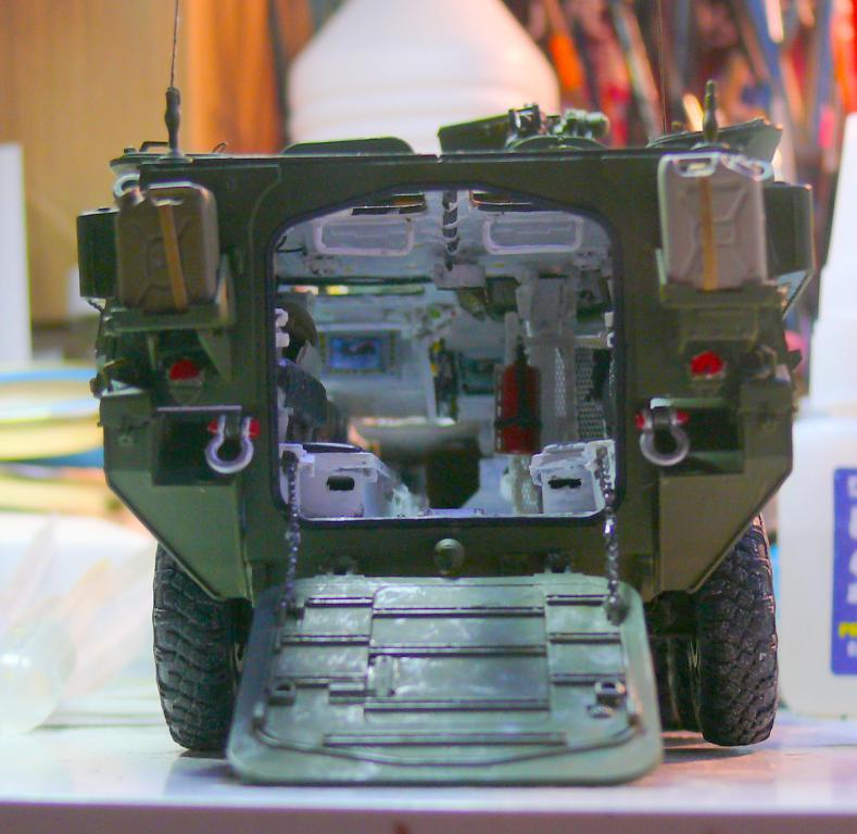 Stryker M1126 de AFV Club et détaillage intérieur Black Dog au 1/35 - Page 2 Stryk142