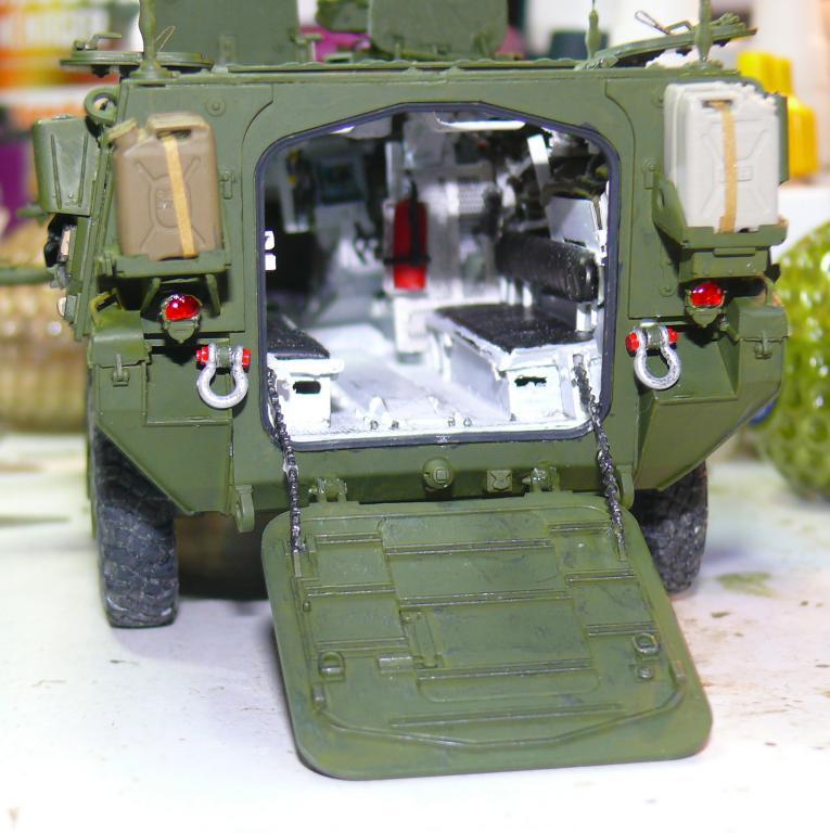 Stryker M1126 de AFV Club et détaillage intérieur Black Dog au 1/35 - Page 2 Stryk144