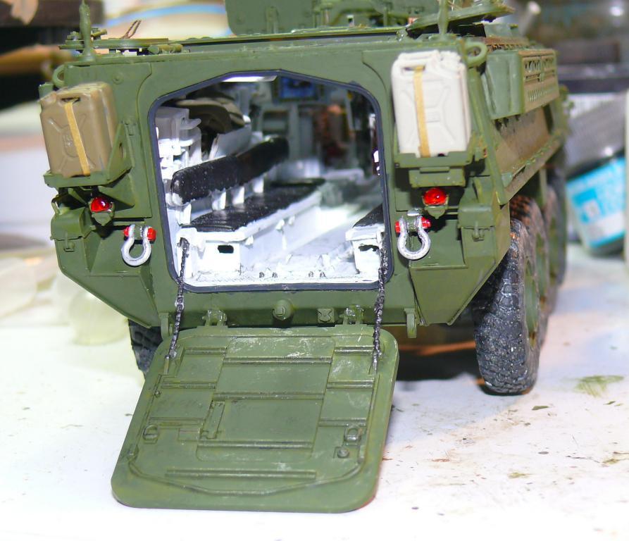 Stryker M1126 de AFV Club et détaillage intérieur Black Dog au 1/35 - Page 2 Stryk146