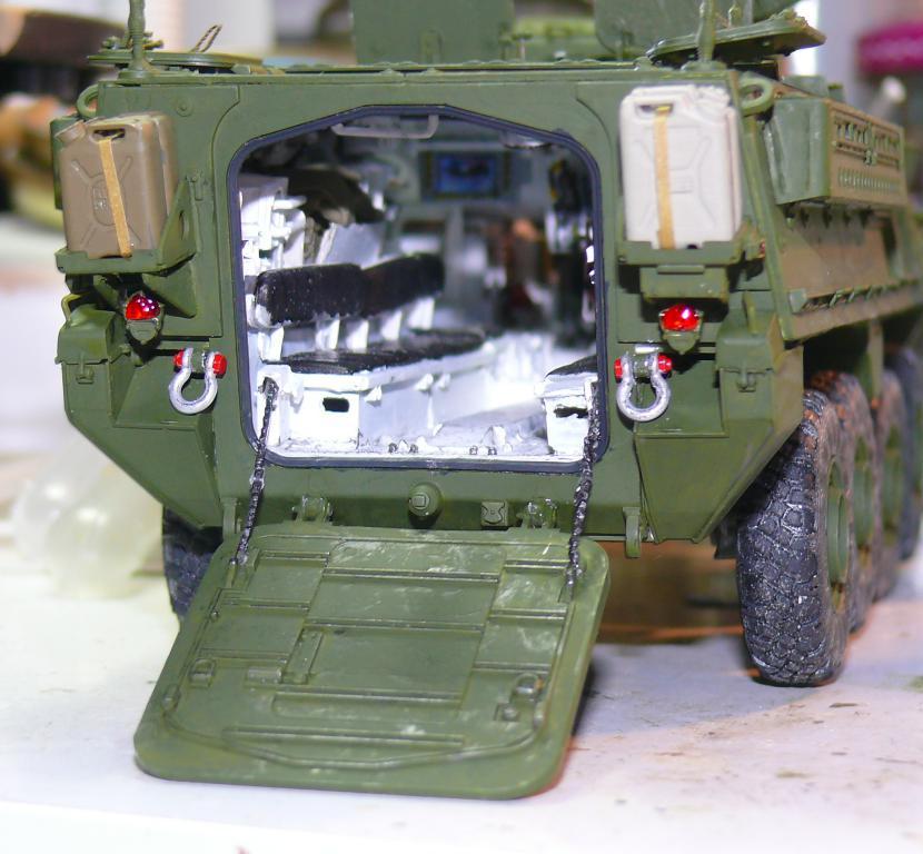 Stryker M1126 de AFV Club et détaillage intérieur Black Dog au 1/35 - Page 2 Stryk147