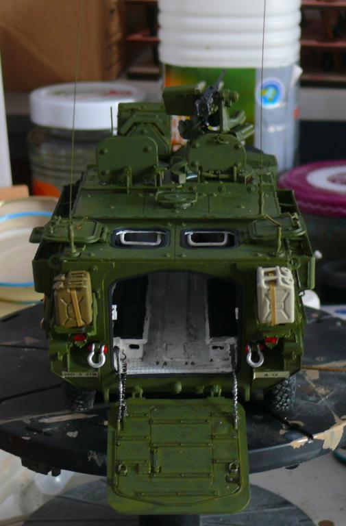 Stryker M1126 de AFV Club et détaillage intérieur Black Dog au 1/35 - Page 2 Stryk148