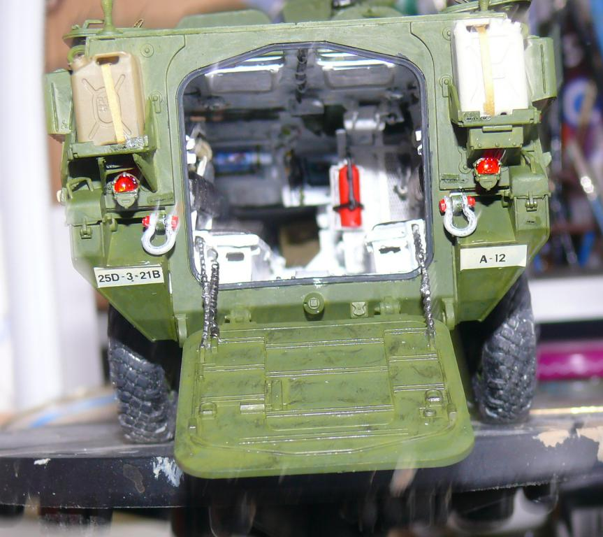 Stryker M1126 de AFV Club et détaillage intérieur Black Dog au 1/35 - Page 2 Stryk149