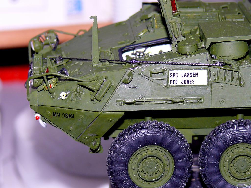 Stryker M1126 de AFV Club et détaillage intérieur Black Dog au 1/35 - Page 2 Stryk152
