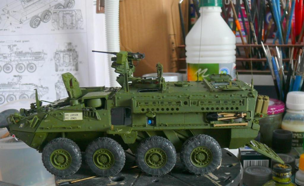 Stryker M1126 de AFV Club et détaillage intérieur Black Dog au 1/35 - Page 2 Stryk153