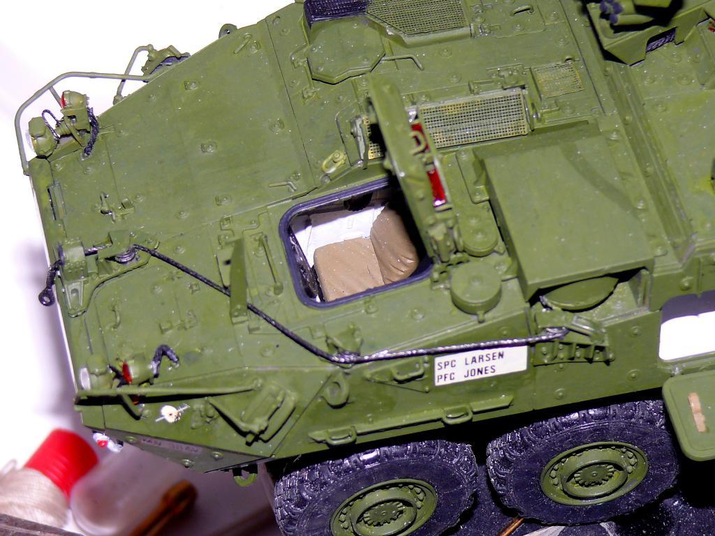 Stryker M1126 de AFV Club et détaillage intérieur Black Dog au 1/35 - Page 2 Stryk156