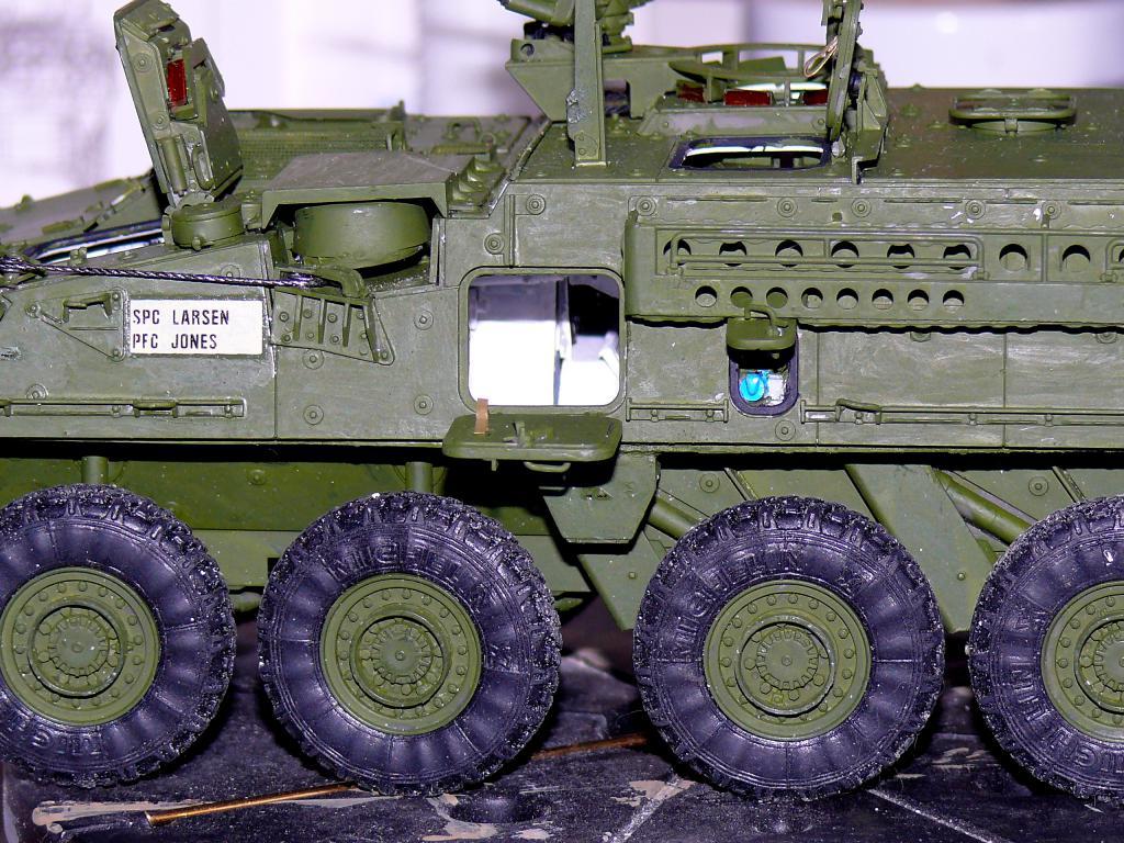 Stryker M1126 de AFV Club et détaillage intérieur Black Dog au 1/35 - Page 2 Stryk157