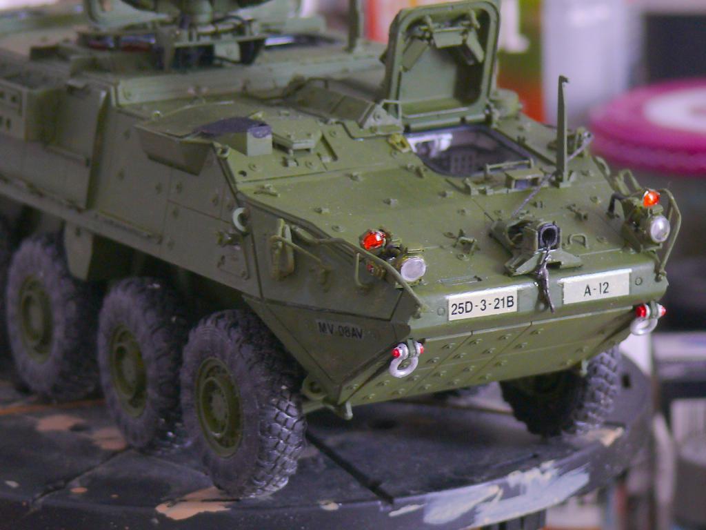 Stryker M1126 de AFV Club et détaillage intérieur Black Dog au 1/35 - Page 2 Stryk162