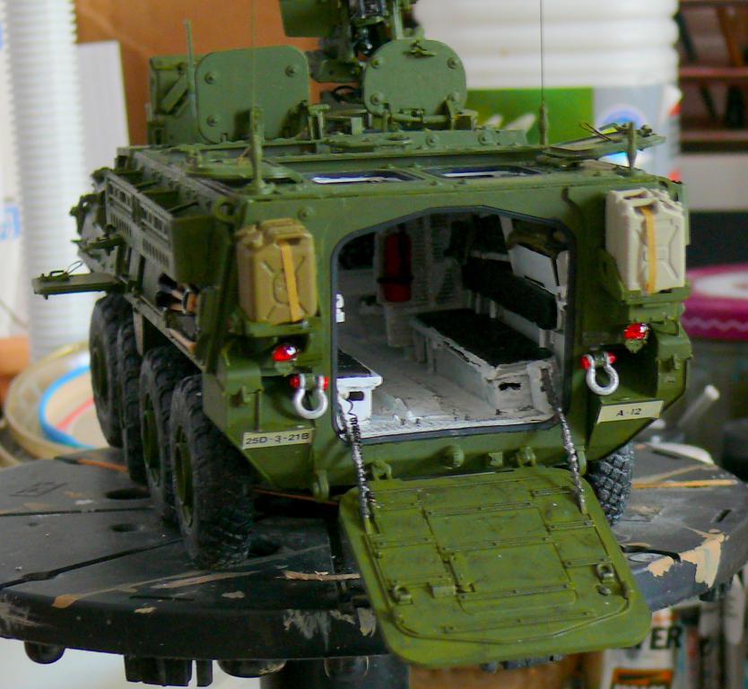 Stryker M1126 de AFV Club et détaillage intérieur Black Dog au 1/35 - Page 2 Stryk165