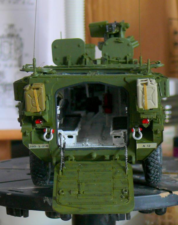 Stryker M1126 de AFV Club et détaillage intérieur Black Dog au 1/35 - Page 2 Stryk166