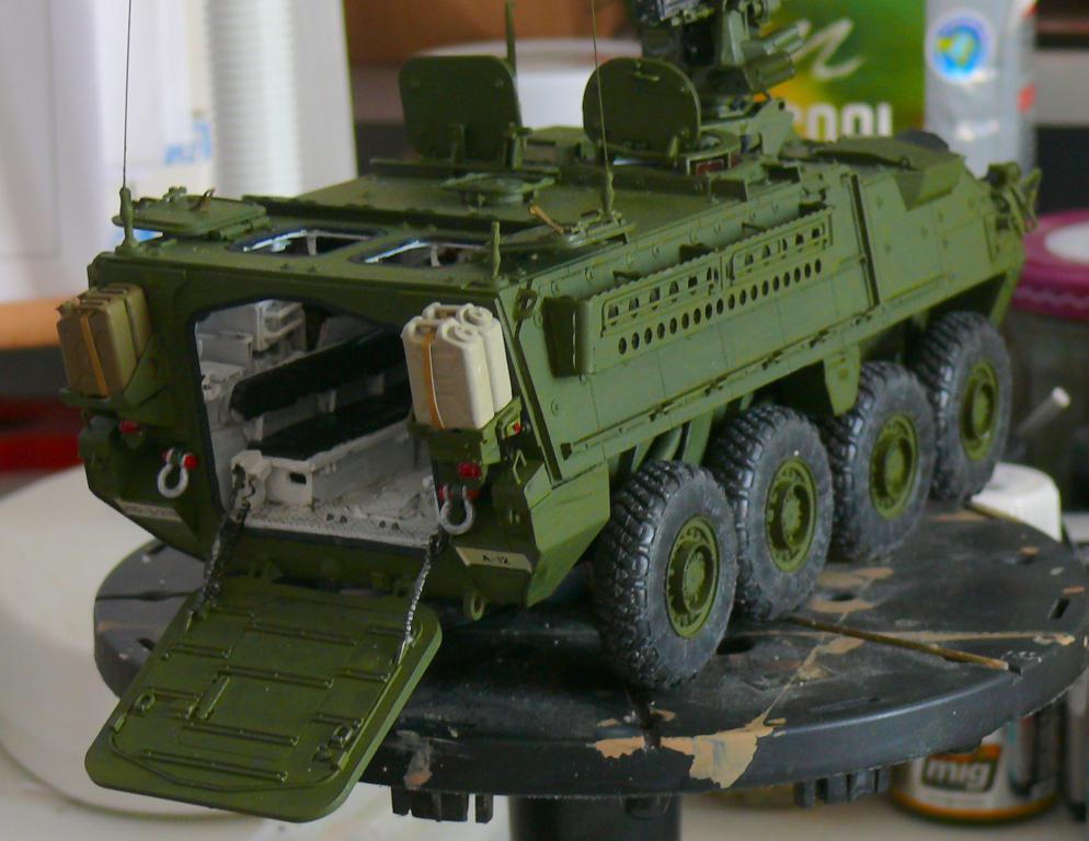 Stryker M1126 de AFV Club et détaillage intérieur Black Dog au 1/35 - Page 2 Stryk167