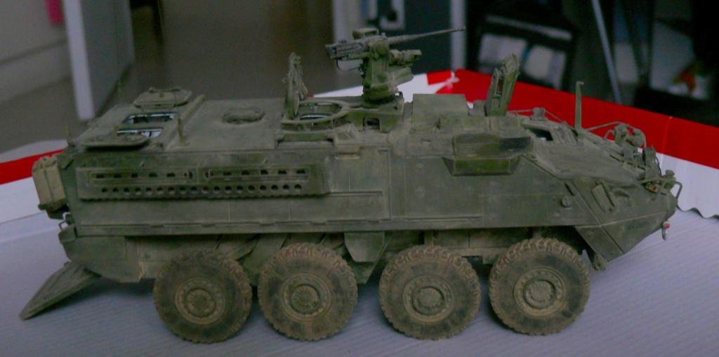 Stryker M1126 de AFV Club et détaillage intérieur Black Dog au 1/35 - Page 2 Stryk172