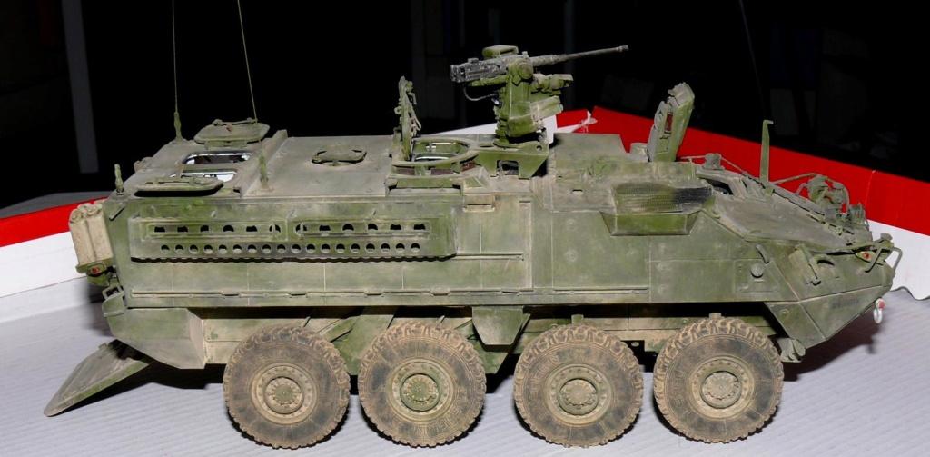 Stryker M1126 de AFV Club et détaillage intérieur Black Dog au 1/35 - Page 2 Stryk174