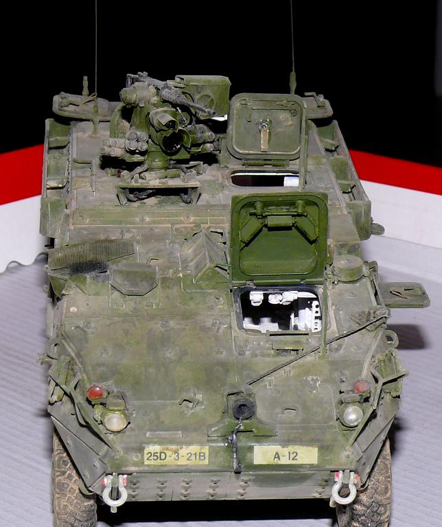 Stryker M1126 de AFV Club et détaillage intérieur Black Dog au 1/35 - Page 2 Stryk176