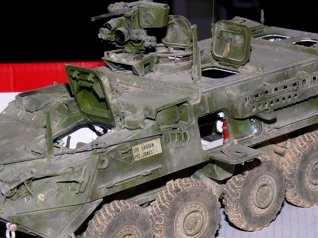 Stryker M1126 de AFV Club et détaillage intérieur Black Dog au 1/35 - Page 2 Stryk177