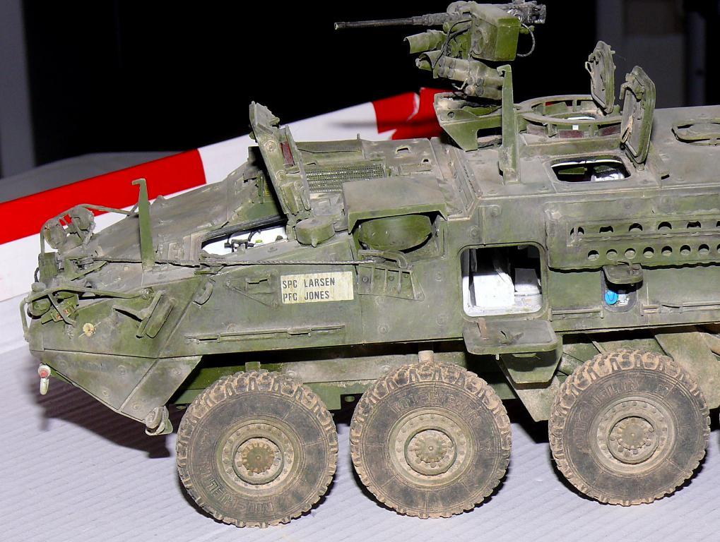 Stryker M1126 de AFV Club et détaillage intérieur Black Dog au 1/35 - Page 2 Stryk180
