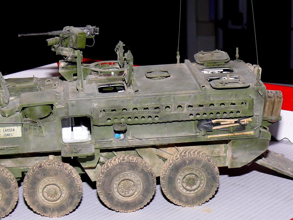 Stryker M1126 de AFV Club et détaillage intérieur Black Dog au 1/35 - Page 2 Stryk183