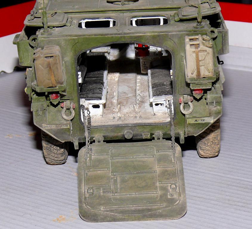 Stryker M1126 de AFV Club et détaillage intérieur Black Dog au 1/35 - Page 2 Stryk187