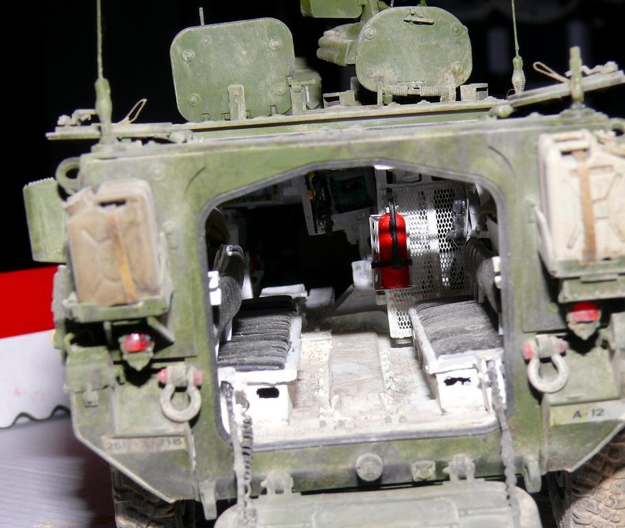 Stryker M1126 de AFV Club et détaillage intérieur Black Dog au 1/35 - Page 2 Stryk188