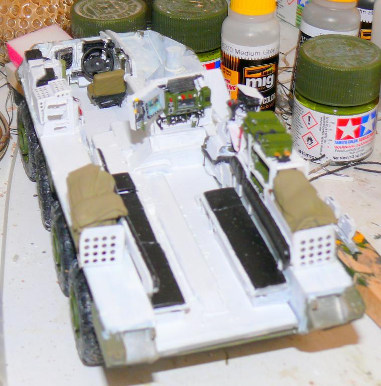Stryker M1126 de AFV Club et détaillage intérieur Black Dog au 1/35 Stryke37