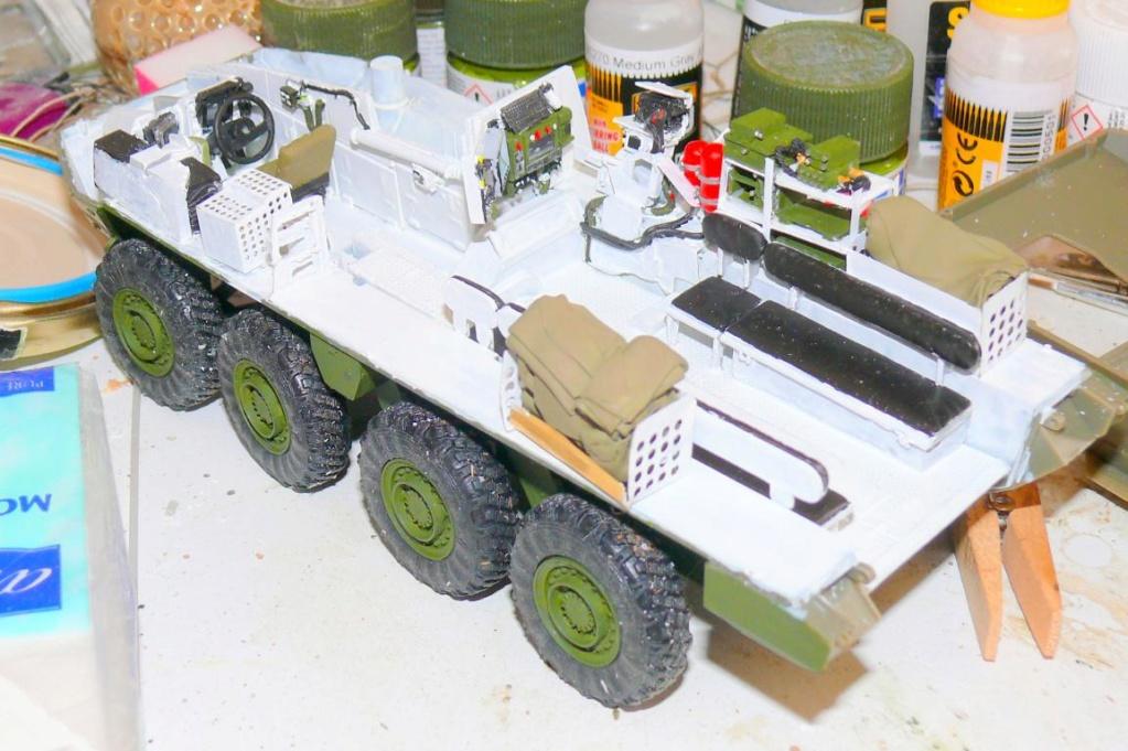 Stryker M1126 de AFV Club et détaillage intérieur Black Dog au 1/35 Stryke38