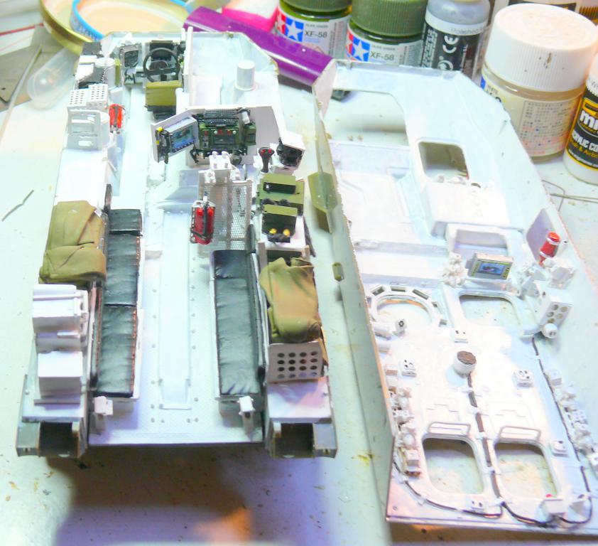 Stryker M1126 de AFV Club et détaillage intérieur Black Dog au 1/35 Stryke39