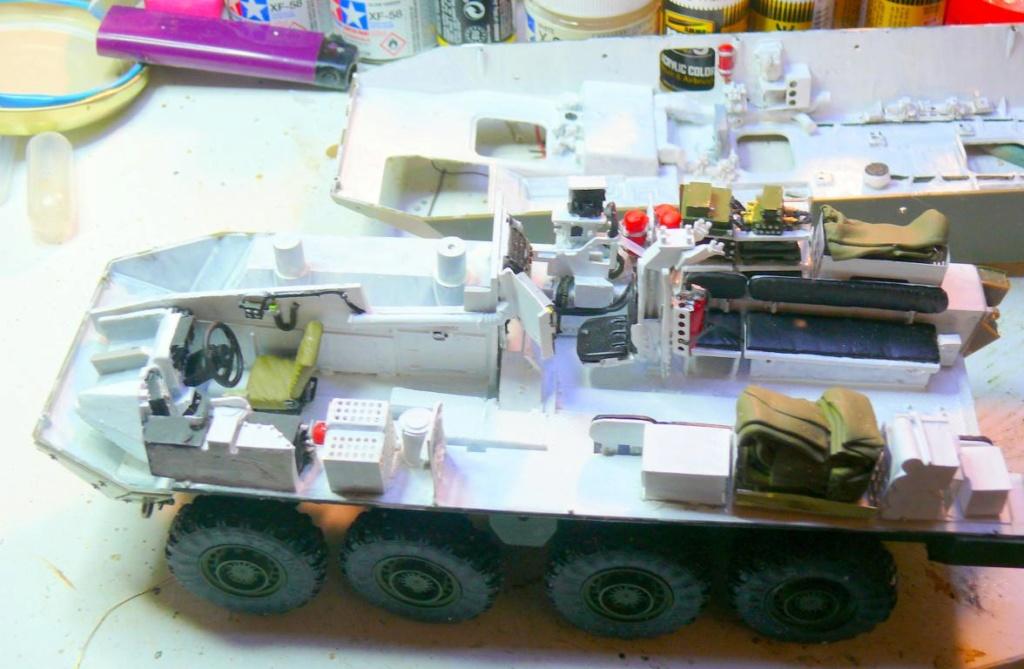 Stryker M1126 de AFV Club et détaillage intérieur Black Dog au 1/35 Stryke43