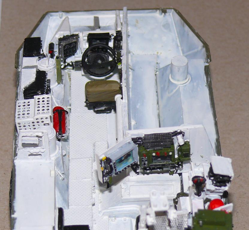 Stryker M1126 de AFV Club et détaillage intérieur Black Dog au 1/35 Stryke53